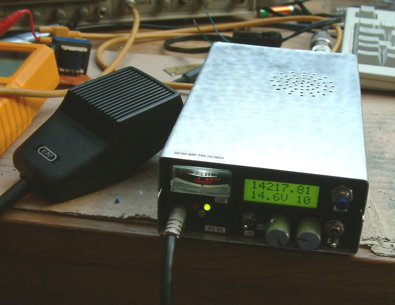 Picture of a very compact SSB QRP Transceiver (20 m, 14 M, Peter Rachow, DK7IH)