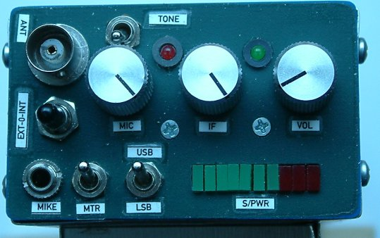Front panel of small handheld SSB QRP transceiver for 14 MHZ by Peter Rachow (DK7IH)
