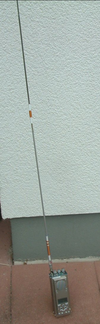 Full view of whip antenna for 14 MHz (C) Peter Rachow, DK7IH, 2015