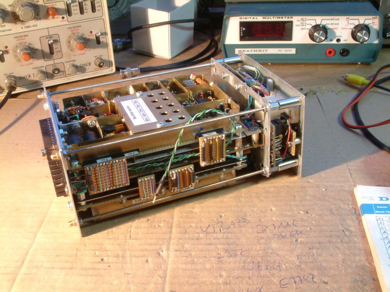 5 band 10 watts QRP SSB transceiver ( (C) 2016 Peter Rachow - DK7IH)