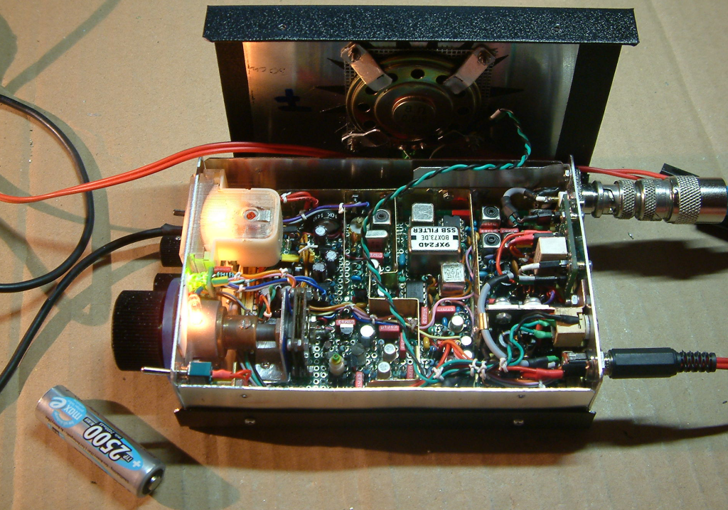 DK7IH - Simple SSB Transceiver for 14MHz (VFO controlled, 5W PEP) - Inside view