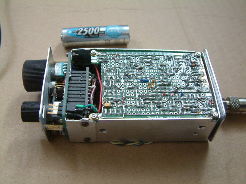 """DK7IH microsize QRP SSB transceiver (""""Micro24"""") for 14 MHz - Underside"""