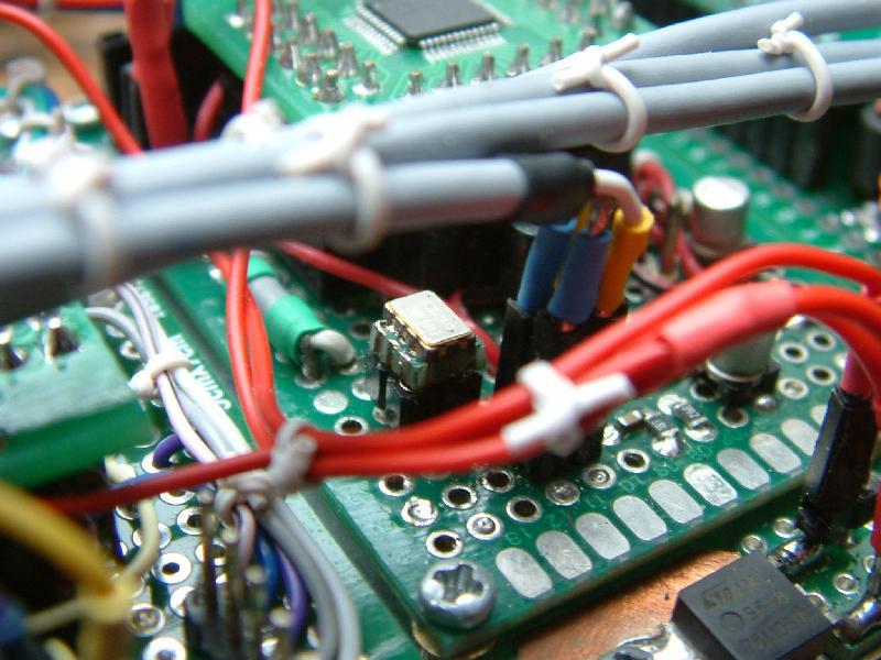 DK7IH 6 band QRP SSB TRX 2019 - 400 MHz clock ocillator of DDS VFO